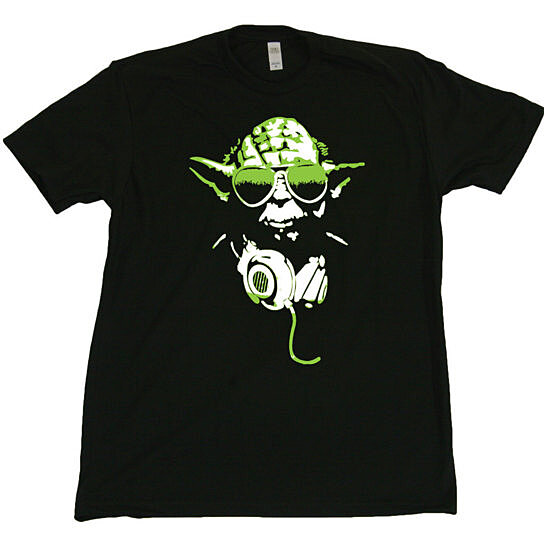 Buy dj yoda mens t shirt funny vintage retro star wars for Vintage star wars t shirts men