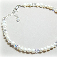 Pearl Anklet for Bridal gifts using Swarovski Crystal and Freshwater Pearl in a Wedding Anklet made with Sterling Silver which is Adjustable