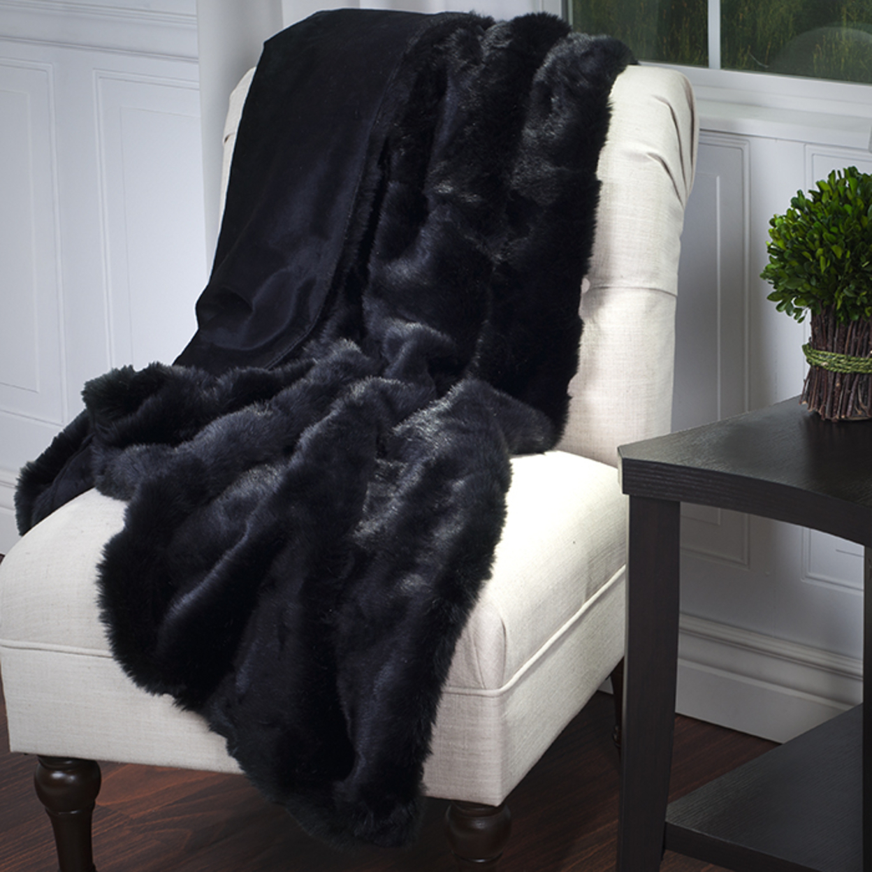 Lavish Home Luxury Long Haired Faux Fur Throw Black