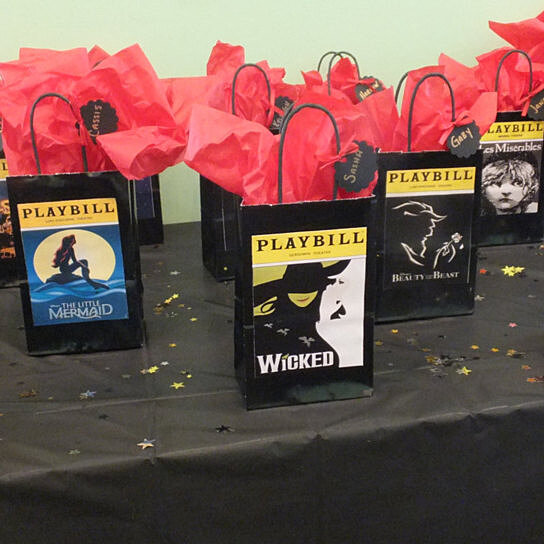 Buy broadway gift bags nyc gift bags new york gift for Gifts for new yorkers