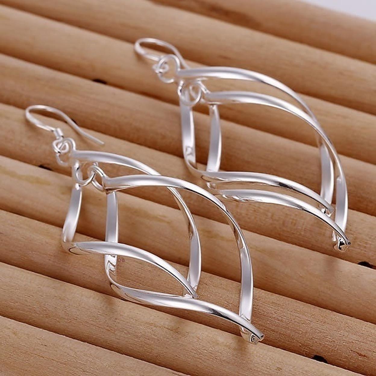 Sterling Silver Interlocking Diamond Spirals Earrings