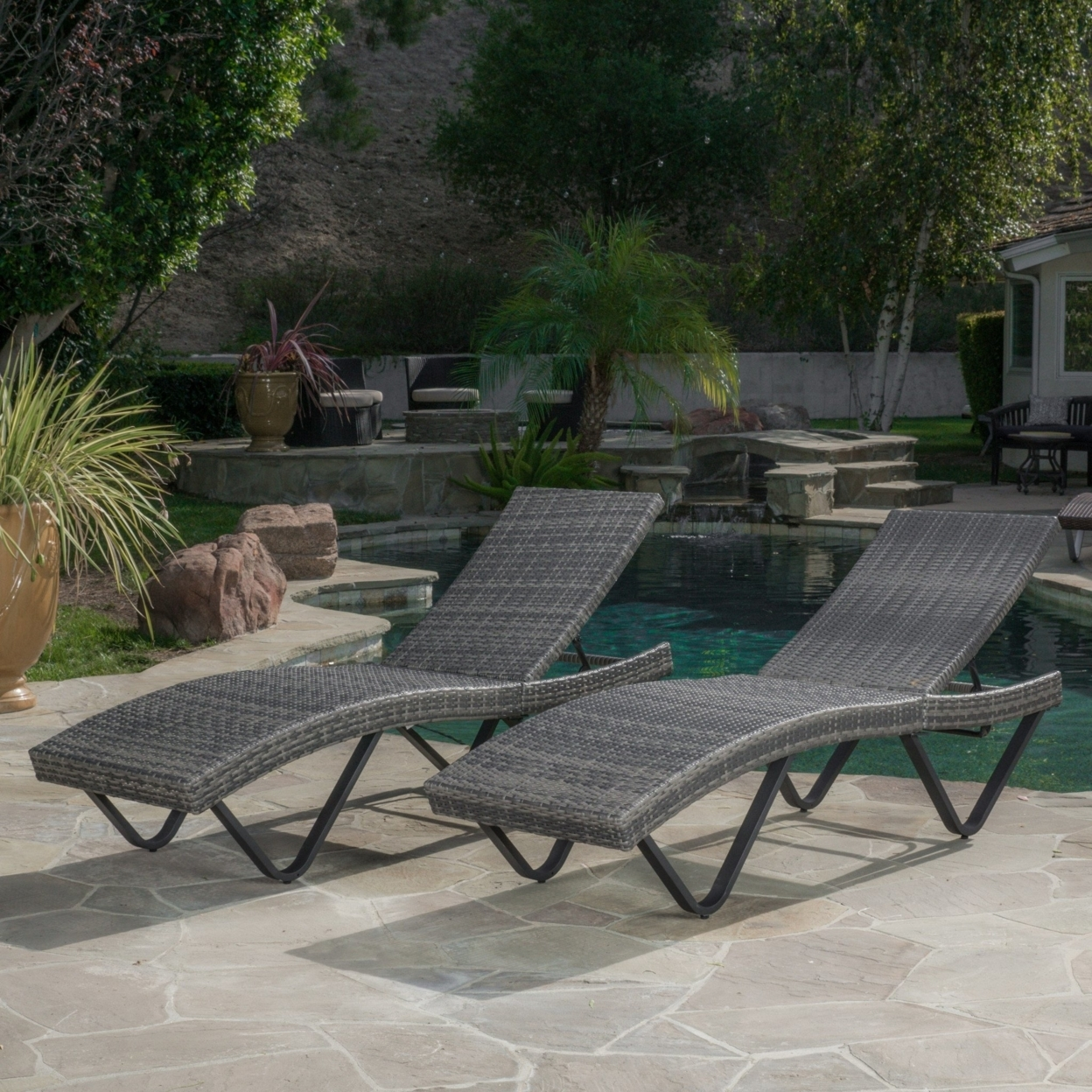 Zanna Outdoor Wicker Chaise Lounge (set of 2)