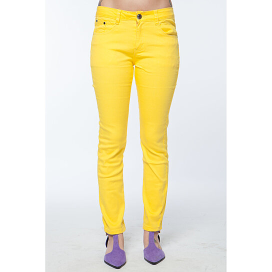Instead, pair your light wash skinny jeans with rich, beautiful fall colors like cream, burgundy, eggplant, and forest green. Supreme Comfort in Skinny Jeggings Jean leggings or