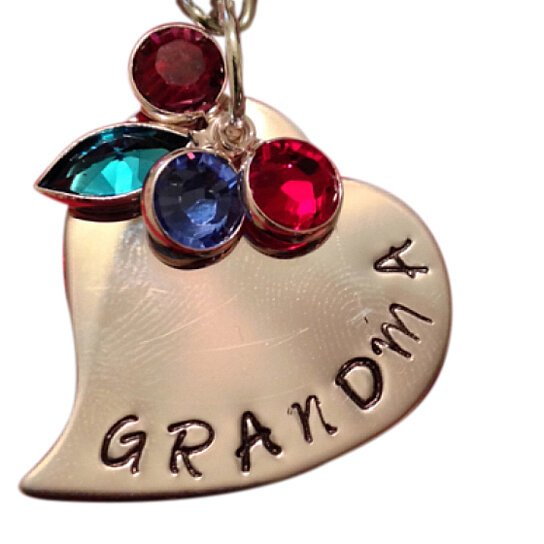 buy grandma or mom tilted heart necklace   hand stamped personalized