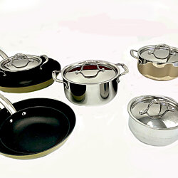 Le Chef 14-Piece Enameled Cast Iron Cookware Set (Multi-colored, R 149).