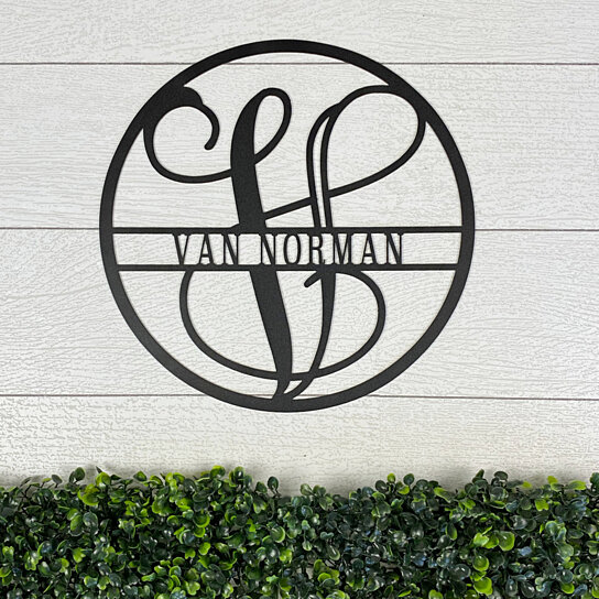 Buy Circle Vine Monogram And Family Name 14 5 Quot Or 18 5