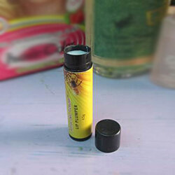 Bee Venom Hydrating Lip Volumizer with Manuka Honey, Shea Butter and Cocoa Butter - 4.5g tube