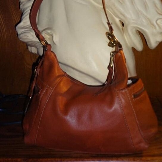 Buy Vintage( ) Great Size Whiskey Colored Leather Fossil Shoulder Bag by  Penny Lane Jane on OpenSky 5c81a5e1fc735
