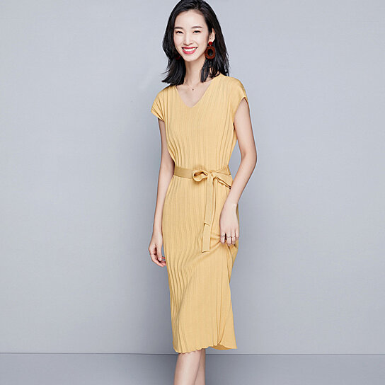 0e65b82ebcf Trending product! This item has been added to cart 20 times in the last 24  hours. 2018 summer temperament new V-neck solid color long slim knit dress
