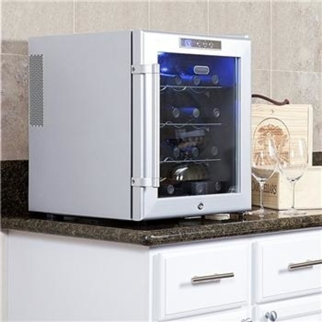 Whynter Wc-16S SNO 16 Bottle Wine Cooler with Lock Platinum Color