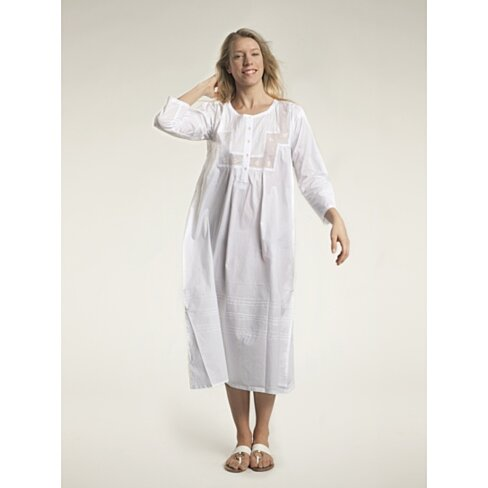 Cotton nightgowns are fabulous for a comfortable night's sleep. For ultimate comfort, put on a Jones New York sleep shirt with plenty of breathing room, a Jockey nightgown for ultra comfort, or a Ralph Lauren gown for a perfect night's sleep.