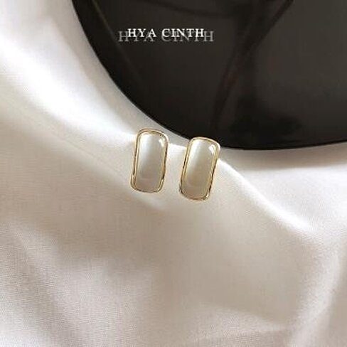 C-shaped simple retro Earrings