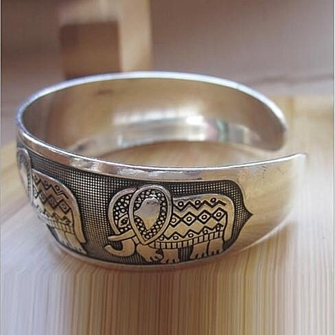 Thai Five Elephant Brushed White Gold Bangle