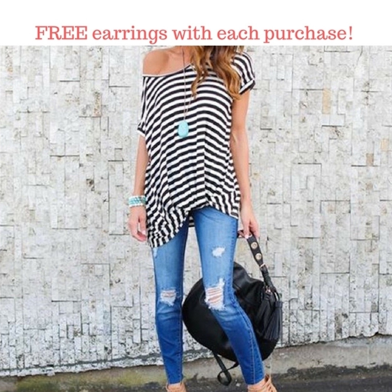 Soft and Loose Fit Trendy Twisted Striped Tee - S 591db39e2adf92146b155b42