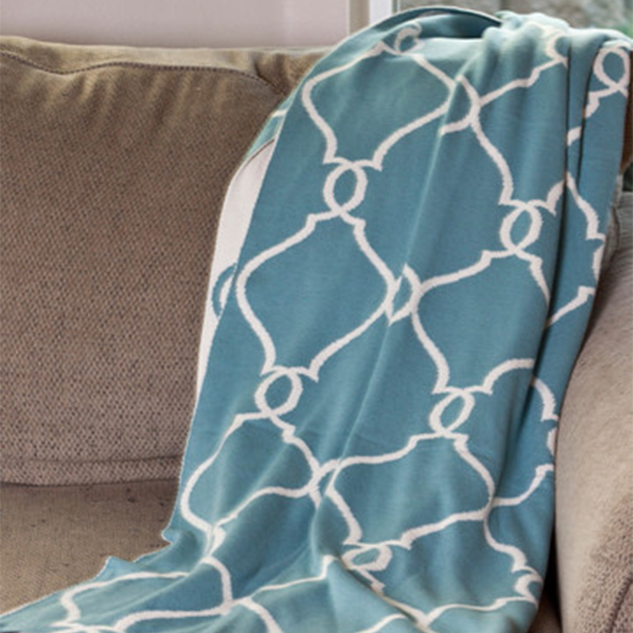 Lattice Patterned Beach Blue Reversible Sofa Throw